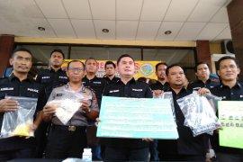 Polres Karawang tangkap seorang pengangguran pemilik narkoba
