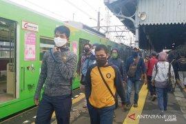 Stasiun Bogor masih ramai penumpang