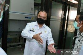 Kejar target test swab COVID-19, Gubernur Babel kunjungi UPTD Laboratorium Kesehatan Babel