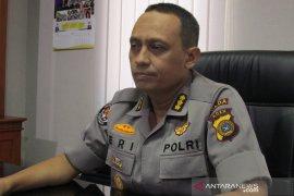 Personel Satlantas Bireuen evakuasi warga gunakan APD