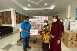 Telkom Kalbar salurkan bantuan untuk tenaga medis tangani COVID-19