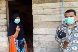 BKKBN Aceh serahkan APD kepada IBI Aceh