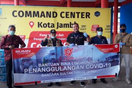 Angkasa Pura II Bandara Jambi kirim susu dan vitamin untuk petugas garda terdepan