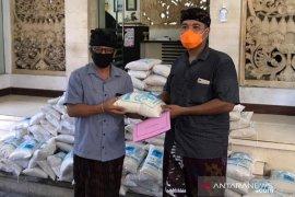 ASN Kota Denpasar sumbang beras untuk warga terdampak COVID-19