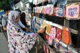 Penjual masker menjamur di Deliserdang