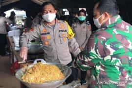 Polres Bangka Barat bersama Kodim 0431 dirikan dapur umum di Mentok