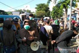 TNI-Polri di Pamekasan siaran keliling desa cegah penyebaran COVID-19