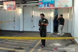 Satu dari empat perampok minimarket tewas ditembak