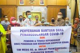 Para guru di Kabupaten Serang salurkan dana untuk tim medis RSDP