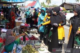 GOW HSS bagikan ratusan masker untuk para pedagang pasar Bagambir