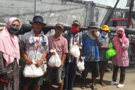 ICMI Banten bagikan sembako untuk warga terdampak COVID-19