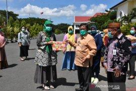 Pemkab Gorontalo Utara salurkan rapid test bantuan Pemprov ke 15 Puskesmas