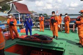 Seorang nelayan Bintan terjatuh ke laut saat memancing ditemukan tewas