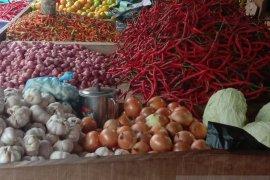 Harga bawang putih di pasar  tradisional Ambon turun