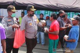 Polres MTB bangun dapur umum untuk ratusan buruh pelabuhan Saumlaki