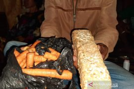 Bahan pangan bantuan pemerintah tak layak konsumsi