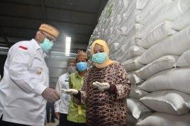 Stok beras di Bulog Gorontalo cukup untuk empat bulan