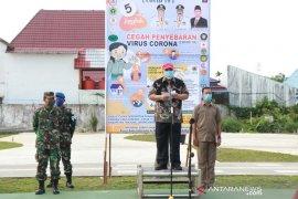 Tanjabbar bagikan 10.000 masker untuk warga