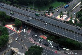 Hari ketiga PSBB, jalan-jalan utama Depok lengang