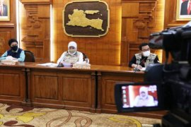 Gubernur Jatim panggil Risma bahas PSBB Surabaya