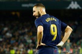 Karim Benzema isyaratkan akhiri karier di kampung halaman