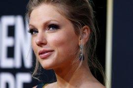 Taylor Swift batalkan seluruh tur konsernya hingga 2021