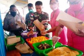 Polri-TNI dan Pemkab Asmat buat dapur umum