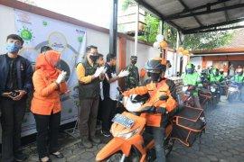 Gubernur Jabar lepas ojek online dan Pos pengantar sembako di Sumedang