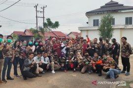 FKPPI Kalbar Peduli bagikan masker untuk masyarakat Pontianak
