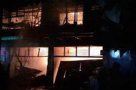 Tiga ruko di Pasar Tavip Binjai terbakar