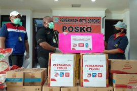 Pertamina RU VII Kasim bantu warga Kota Sorong beras dan minyak goreng