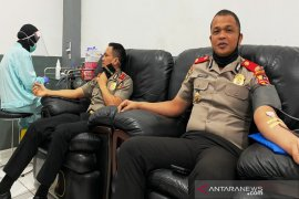 Serdik Sespimmen Polri donor darah bantu stok darah PMI Banjarmasin