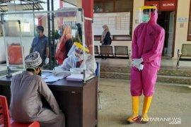 58 santri jalani pemeriksaan kesehatan  di RSUD Dharmasraya setelah pulang dari Jatim