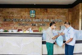 BPSDM Jatim  berkomitmen bantu masyarakat bagikan sembako