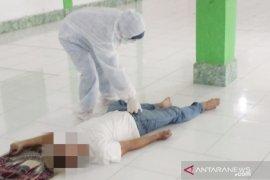 Seorang warga meninggal dunia saat shalat di Masjid Al-Atieq
