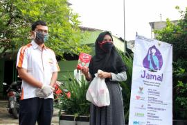 Si Jamal Kediri kirim susu untuk anak-anak di lingkungan isolasi mandiri