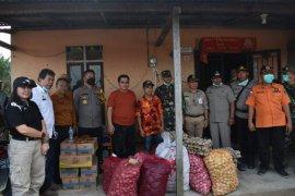 Pemkab Sintang gelar operasi pasar di perbatasan Indonesia-Malaysia