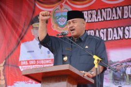 Sambut Ramadhan, mantan Bupati Ngogesa Sitepu bantu sembako PWI Langkat