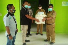 PWI serahkan bantuan APD kepada petugas medis di Mukomuko
