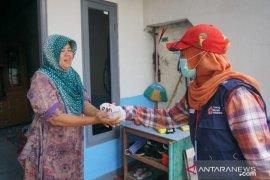 PMI Kota Tangerang sudah salurkan 50.000 masker terkait COVID-19