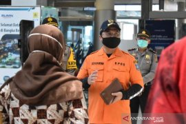 Gubernur: Ratusan warga Babel menumpuk di Pelabuhan Palembang