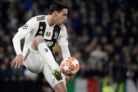 Bek Juventus De Sciglio diincar Valencia dan PSG