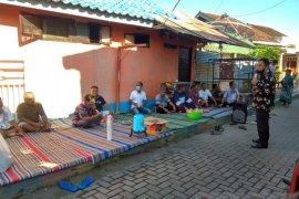 Ikhtiar cegah COVID-19, Wabup Situbondo bagikan jamu tradisional empon-empon