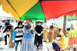 Sambut Ramadhan Bupati Langkat dan keluarga bagikan sembako