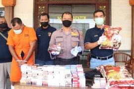 Polisi Denpasar tangkap mantan penjaga villa yang mencuri di swalayan