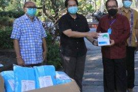 Wagub terima bantuan APD dari gabungan pengusaha alat kesehatan