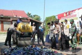 Polres Tabalong, Kalsel musnahkan ribuan botol minuman keras