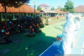 Prajurit Kodim 1626/Bangli diberi keterampilan gunakan APD hadapi COVID-19