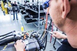 Volvo dan Daimler kembangkan mesin hidrogen pada truk