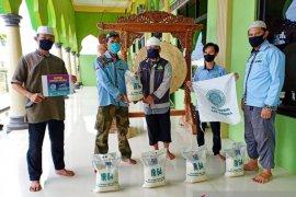 BKPRMI Bangka berhasil salurkan 250 paket sembako